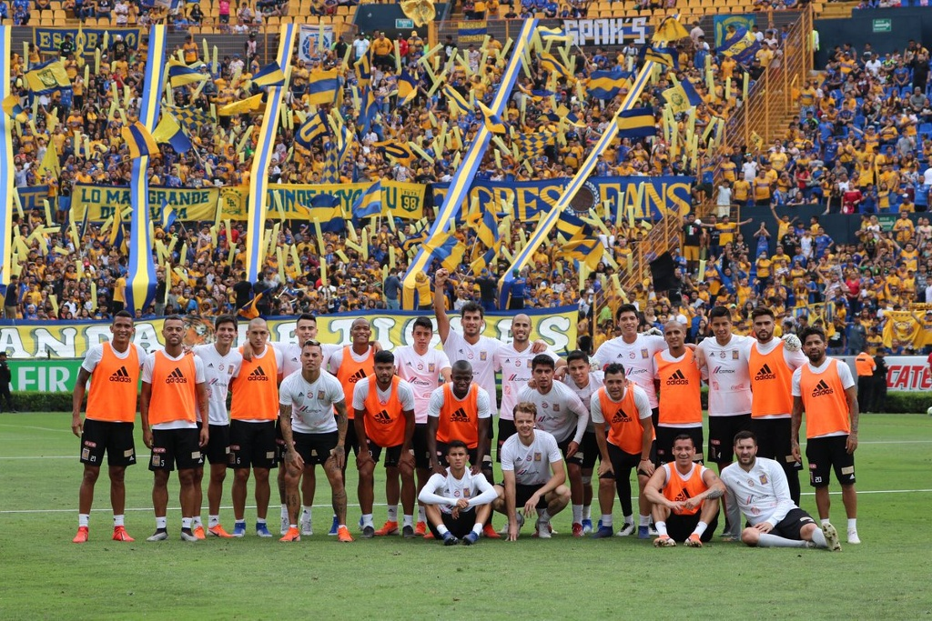 Tigres entrena con multitudinaria despedida (VIDEOS)